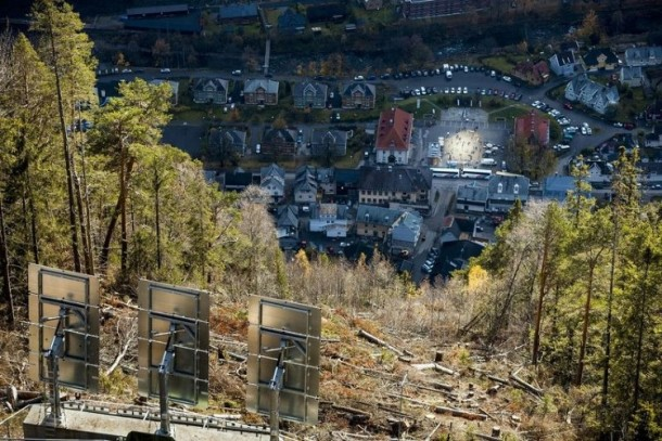 Rjukan-Makes-Use-Of-Mirrors-For-Sunlight-610x407